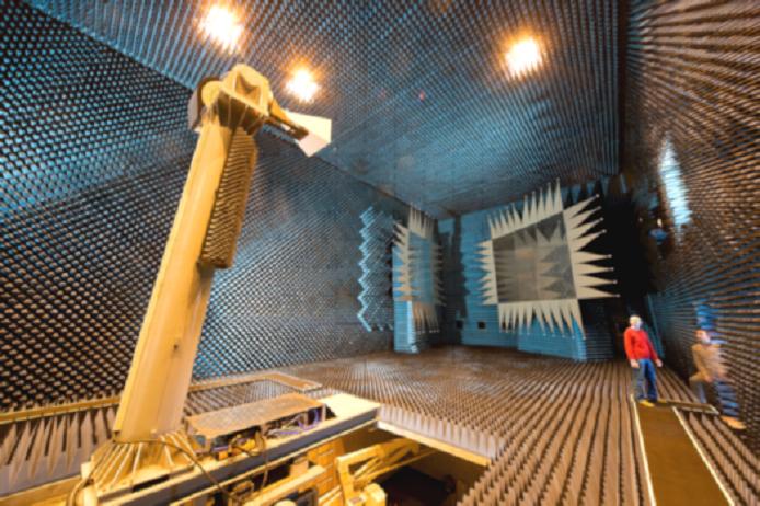 DEUTSCHES ZENTRUM FUER LUFT – UND RAUMFAHRT E.V.  Microwaves and Radar Institute